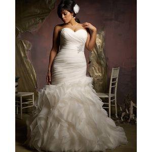Mori Lee 3124 Mermaid Style Wedding Dress